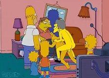 Marge transa com amigos de Homer em casa